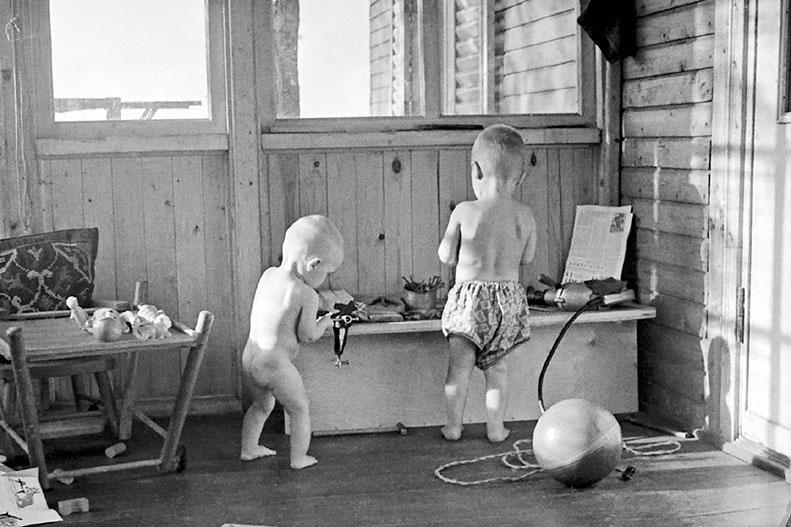 Дети в семье Никитиных