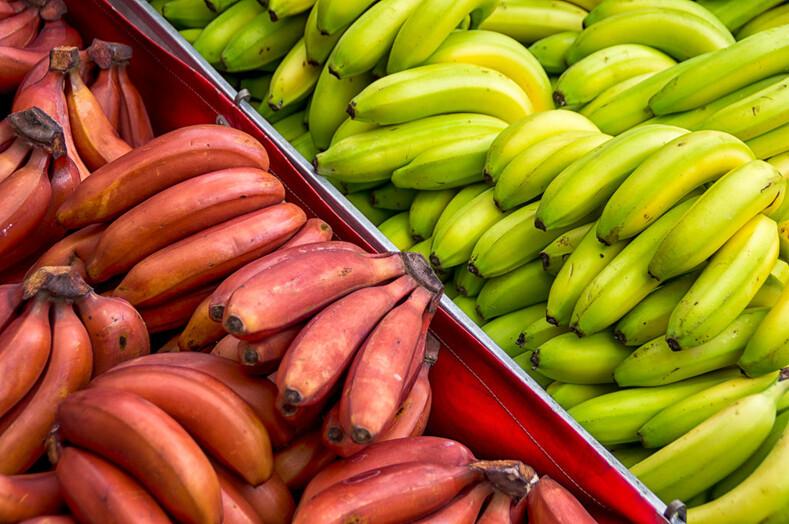 Красные и зеленые бананы