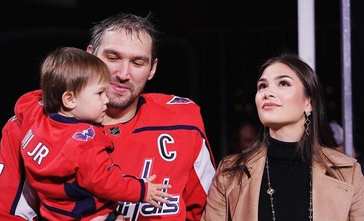 Александр Овечкин с семьей