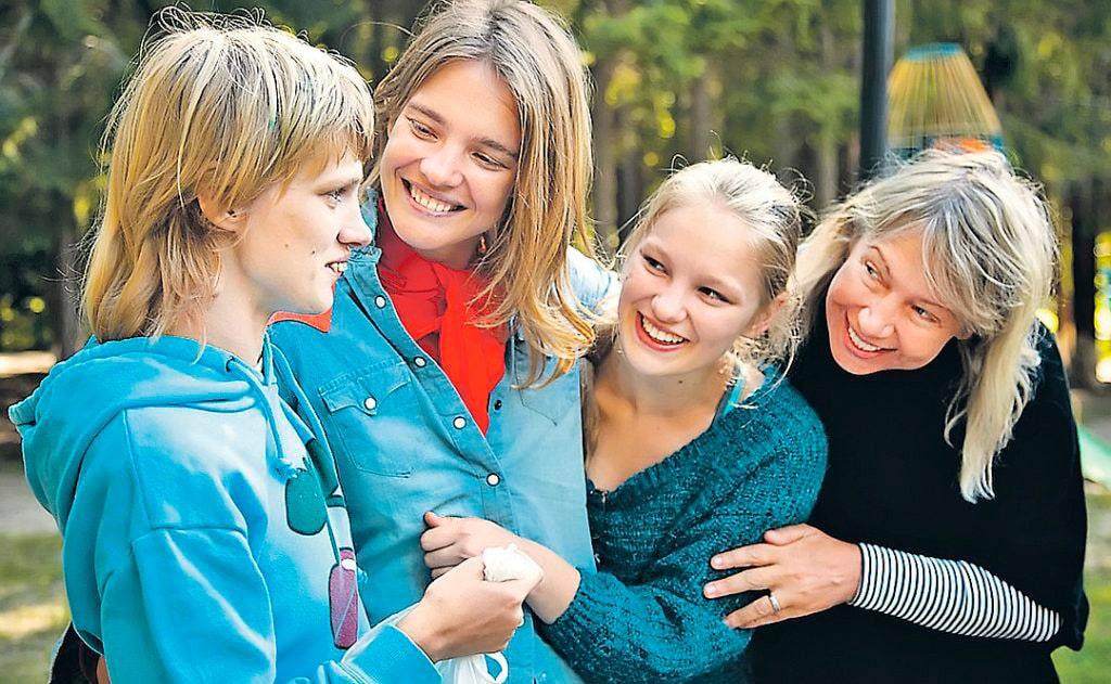 Сестры Водяновы с мамой