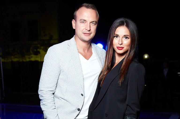 Певица Нюша с мужем