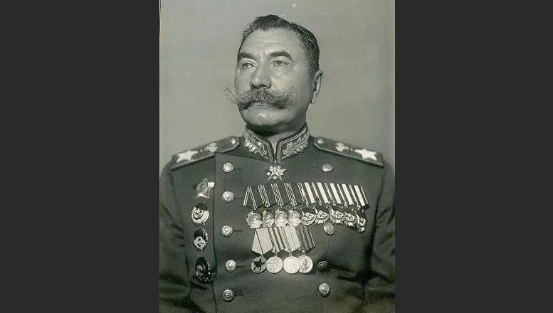 Маршал Буденный