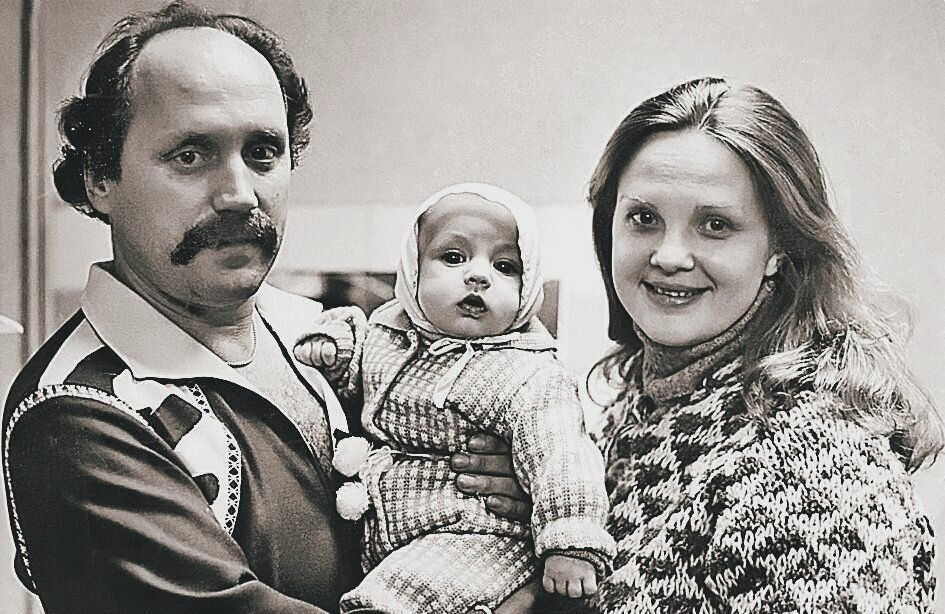 Светлана Пенкина с мужем и ребенком